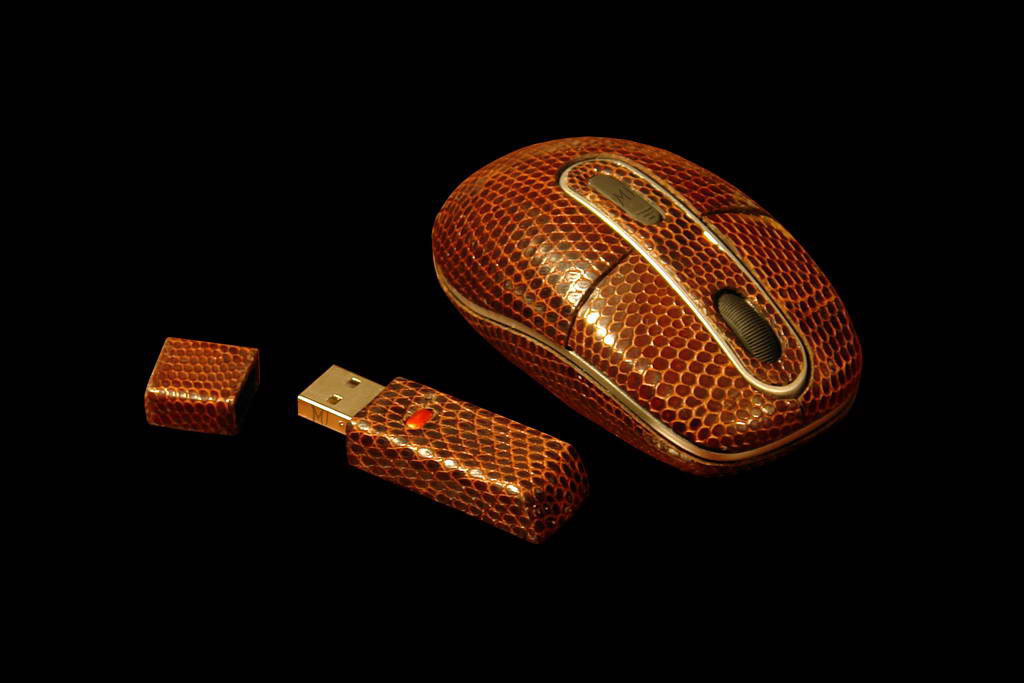 Luxury Laptop Mouse Lizard MJ Limited Edition - Genuine Leather Iguana & USB Flash Drive with Radio Bluetooth